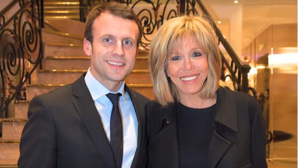 Emmanuel Macron z żoną Brigitte - Sputnik Polska