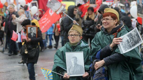 Nieśmiertelny Pułk w Moskwie - Sputnik Polska