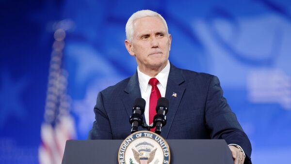Wiceprezydent USA Mike Pence - Sputnik Polska
