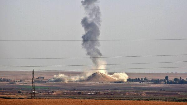 W nalocie koalicji międzynarodowej pod wodzą USA na północnym wschodzie Syrii zginęło pięciu cywilów - Sputnik Polska