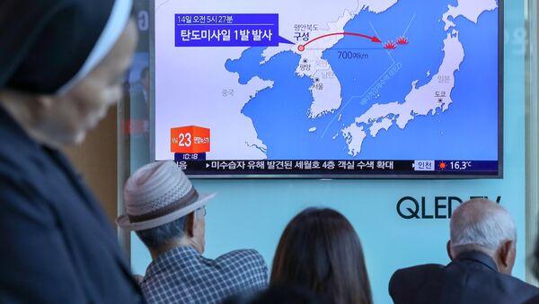 Korea Północna wystrzeliła w niedzielę rano, czasu lokalnego, niezidentyfikowany pocisk balistyczny - Sputnik Polska