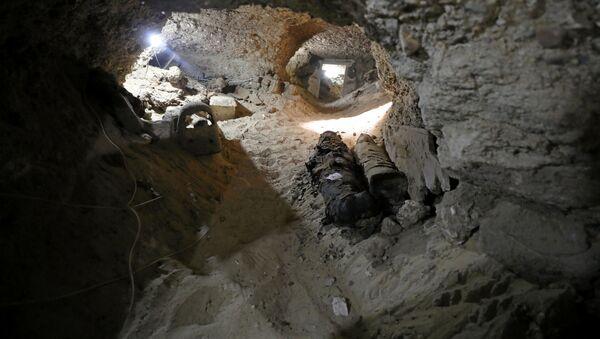 Mumie w podziemnym grobowcu - Sputnik Polska