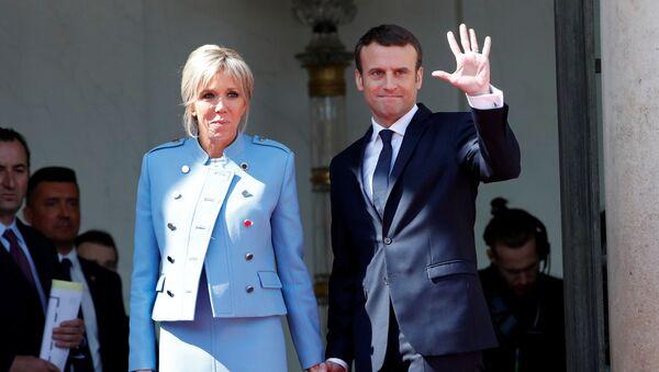 Prezydent Francji Emmanuel Macron z żoną Brigitte - Sputnik Polska