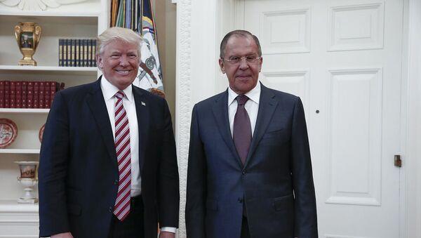 Prezydent USA Donald Trump i minister spraw zagranicznych Rosji Siergiej Ławrow w Waszyngtonie - Sputnik Polska