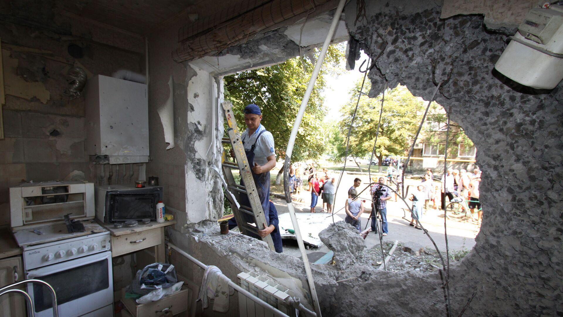 Zniszczone mieszkanie w Donbasie - Sputnik Polska, 1920, 31.07.2021