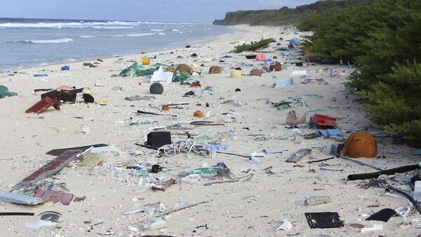 Śmieci na wyspie Henderson - Sputnik Polska
