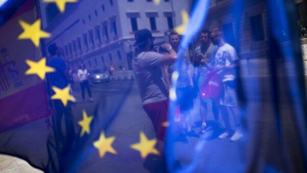 Flaga UE na ulicy w Hiszpanii - Sputnik Polska