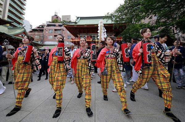 Участники фестиваля храма Канда в Японии - Sputnik Polska