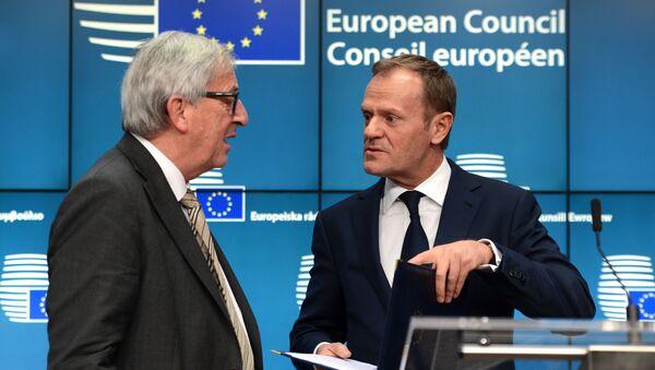 Szefowie Komisji Europejskiej i Rady Europejskiej, Jean-Claude Juncker i Donald Tusk - Sputnik Polska