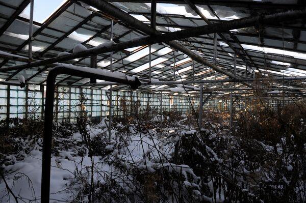 Skrunda-1 - tajne radzieckie miasto widmo na Łotwie, w odległości 70 kilometrów od zachodniego wybrzeża Morza Bałtyckiego. Rosyjscy żołnierze, opuszczając teren w 1998 roku, pozostawili tu 60 budynków: w tym bloki mieszkalne, klub oficerski i koszary. - Sputnik Polska