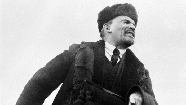 Władimir Lenin przemawia na Placu Czerwonym w dzień obchodów I rocznicy Wielkiej Październikowej Rewolucji Socjalistycznej - Sputnik Polska