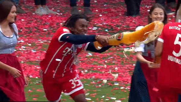 Mistrzostwa Niemiec zakończyły się prysznicem z piwa - Sputnik Polska
