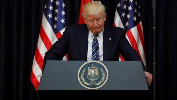 Prezydent USA Donald Trump podczas przemówienia z kondolencjami dla krewnych i bliskich ofiar eksplozji w brytyjskim Manchesterze - Sputnik Polska