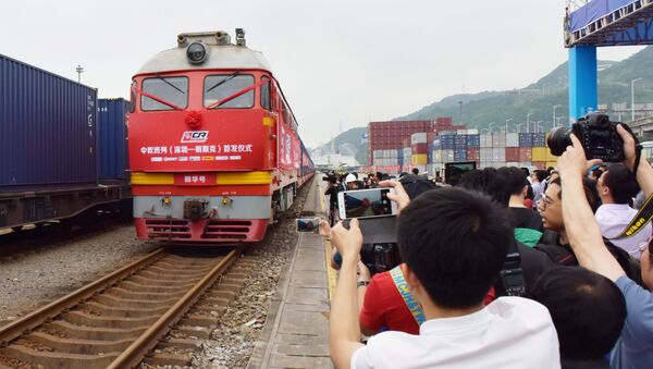 Pociąg z Chin na Białoruś na stacji w Shenzhen - Sputnik Polska