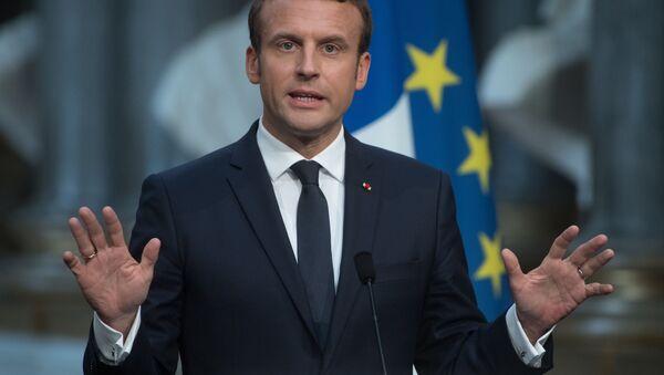 Prezydent Francji Emmanuel Macron podczas konferencji prasowej w Paryżu - Sputnik Polska