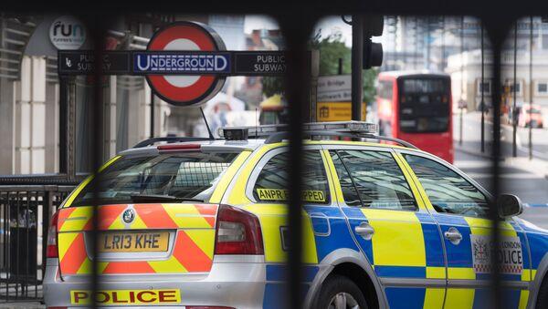Policja przy stacji metra w Londynie - Sputnik Polska