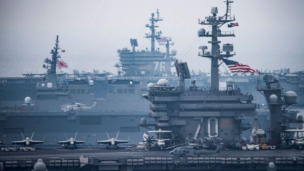 "Lotniskowce ""Carl Vinson"" i ""Ronald Reagan"" podczas ćwiczeń na Morzu Japońskim - Sputnik Polska"
