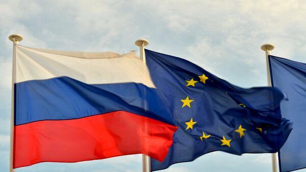 Flaga Rosji i UE - Sputnik Polska
