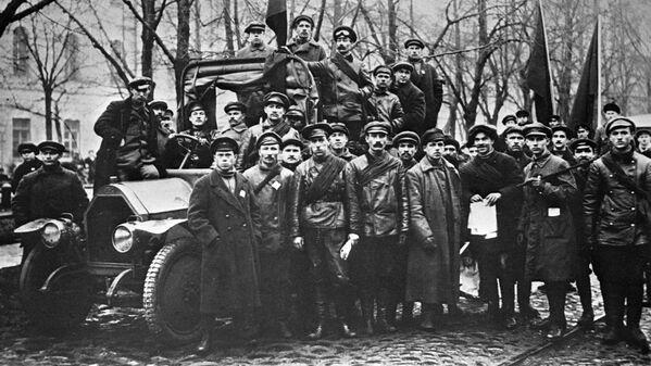 Jednym z rozpowszechnionych modeli ciężarowych tamtego okresu był Fiat-15, który potem został pierwszą radziecką ciężarówką АМО Ф15. - Sputnik Polska