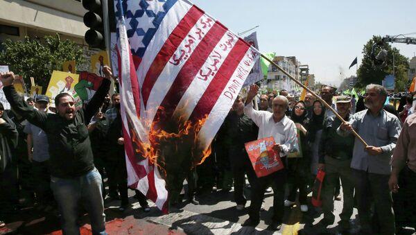 Demonstracja przeciwko USA w Teheranie, Iran 2015 - Sputnik Polska