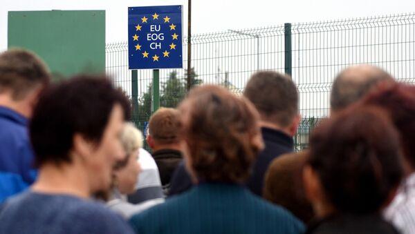 Prawie 3 tys. Ukraińców skorzystało z prawa wjazdu do Polski w ramach obowiązującego od 11 czerwca ruchu bezwizowego - Sputnik Polska