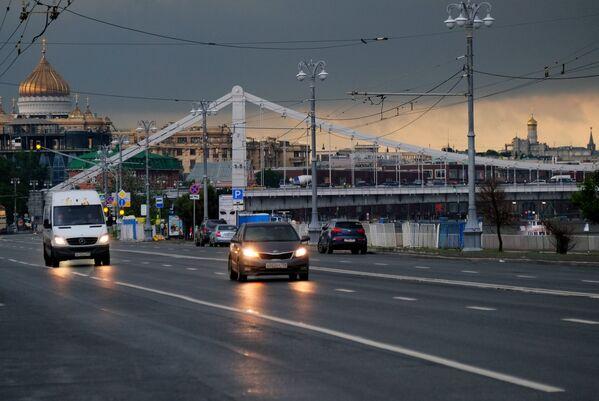 Niedaleko Mostu Krymskiego po ulewie w Moskwie. - Sputnik Polska
