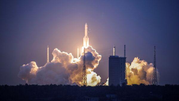 Nieudany start chińskiej rakiety nośnej Chang Zheng 5 - Sputnik Polska