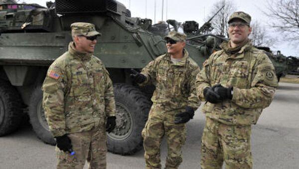 Żołnierze NATO podczas manewrów na Łotwie - Sputnik Polska