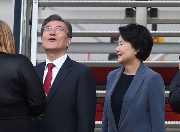 Prezydent Korei Południowej Moon Jae-In z żoną - Sputnik Polska