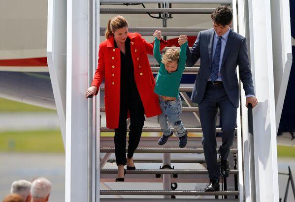 Premier Kanady Justin Trudeau z żoną i synem - Sputnik Polska