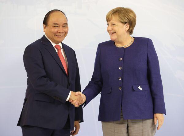 Premier Wietnamu Nguyen Xuan Phuc - Sputnik Polska