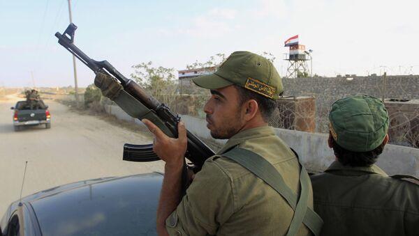 Egipscy wojskowi w rejonie miasta Rafah na granicy ze Strefą Gazy. Zdjęcie archiwalne - Sputnik Polska
