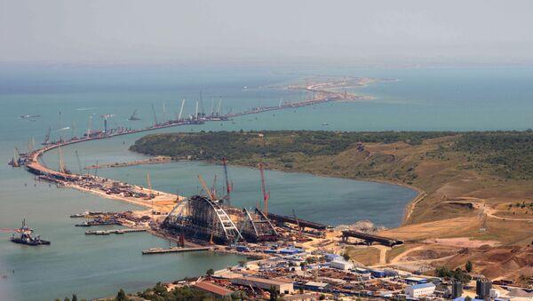 Budowa mostu na Krym trwa - Sputnik Polska