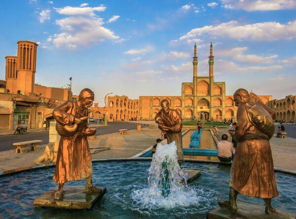 Kompleks Amir Chahmak w irańskim mieście Yazd w Iranie - Sputnik Polska
