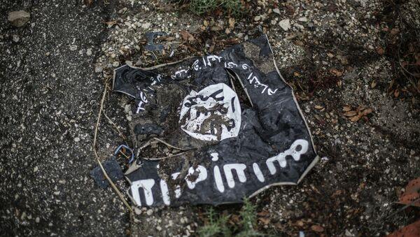 Flag of the Islamic State in the conflict zone - Sputnik Polska
