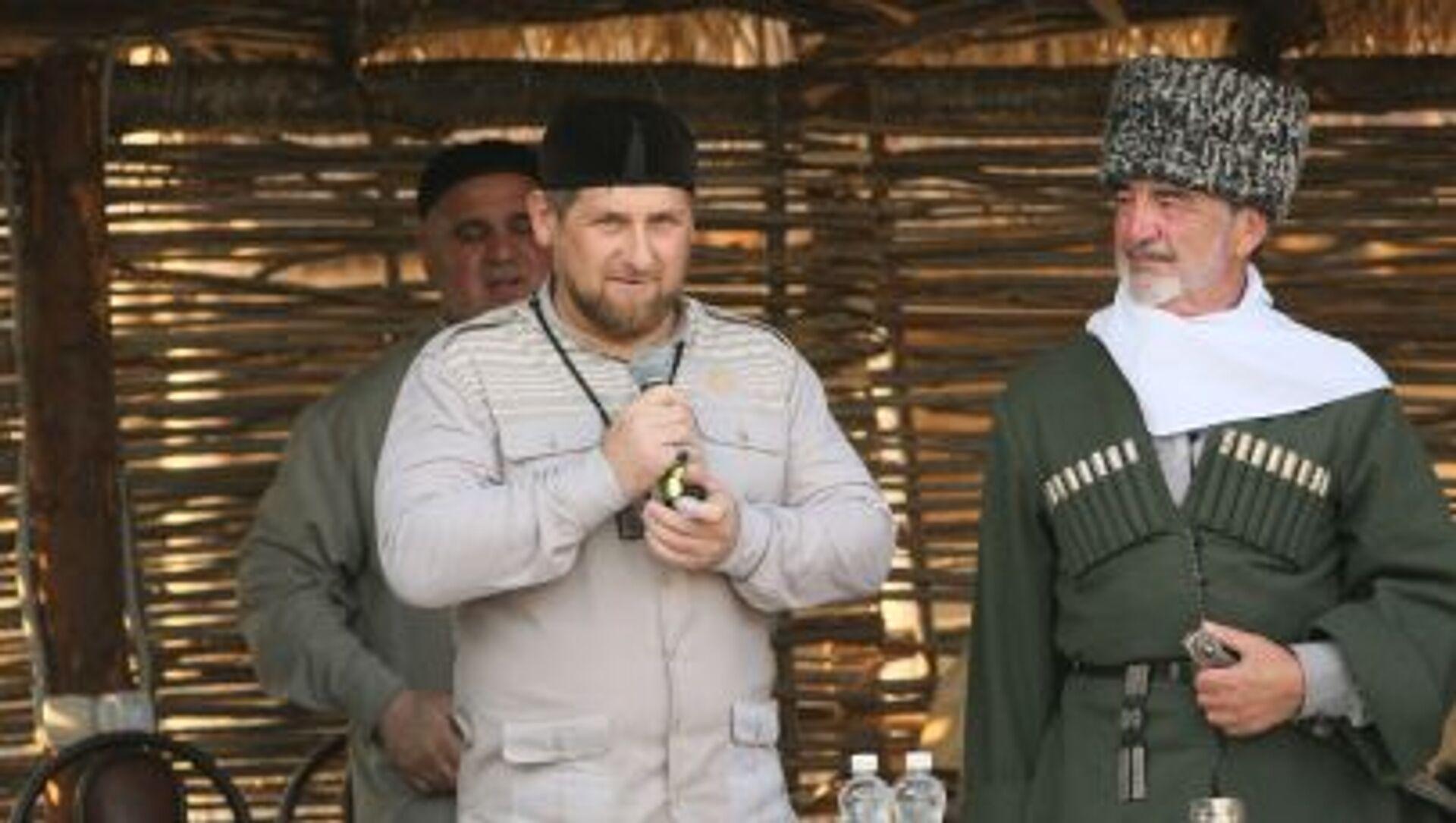 Przywódca Republiki Czeczeńskiej Ramzan Kadyrow na otwarciu muzeum etnograficznego w Czeczenii - Sputnik Polska, 1920, 20.03.2021