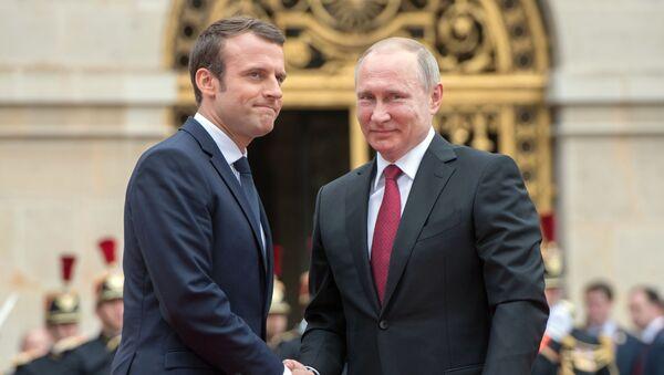 Prezydent Rosji Władimir Putin i prezydent Francji Emmanuel Macron - Sputnik Polska