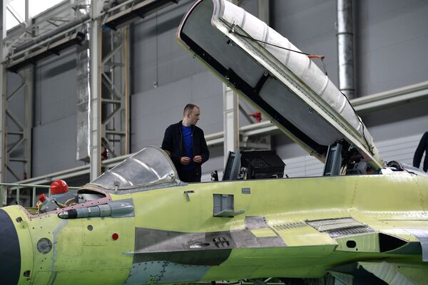 Hala montażowa wielozadaniowych myśliwców MiG-29 w rosyjskiej fabryce samolotów MiG pod Moskwą - Sputnik Polska