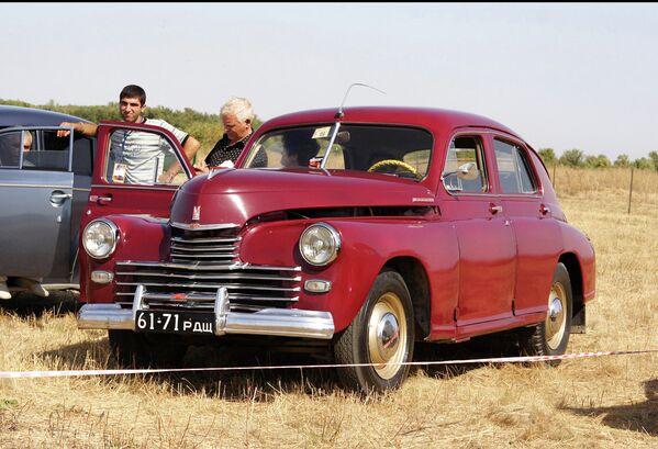 Legendarny samochód Pobieda: jeżdżący symbol radzieckiego życia - Sputnik Polska