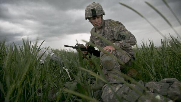Amerykański desantowiec na ćwiczeniach NATO w Kosowie - Sputnik Polska