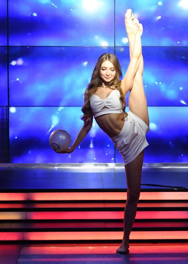 Nina Inczenko - uczestniczka talent show Miss Moskwy w klubie Royal Arbat. - Sputnik Polska