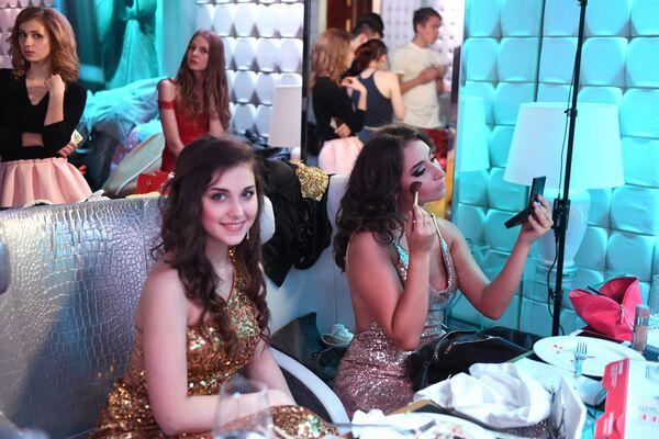 Przygotowania do występu w talent show Miss Moskwy. - Sputnik Polska