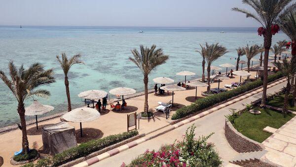 Plaża egipskiego hotelu Sunny Days El Palacio w Hurghardzie - Sputnik Polska