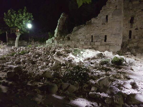 Skutki trzęsienia ziemi na greckiej wyspie Kos - Sputnik Polska