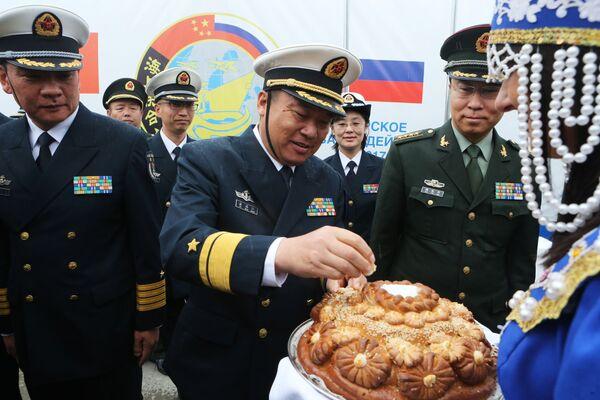 Wojskowi wojenno-morskich sił Chin podczas uroczystego spotkania w porcie Bałtyjsk - Sputnik Polska