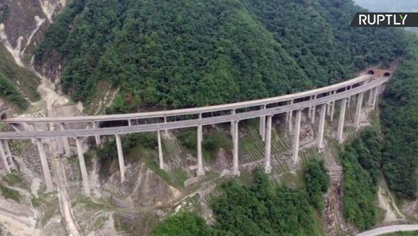 Najdłuższy na świecie betonowy most Ganhaizi został nagrany za pomocą drona - Sputnik Polska