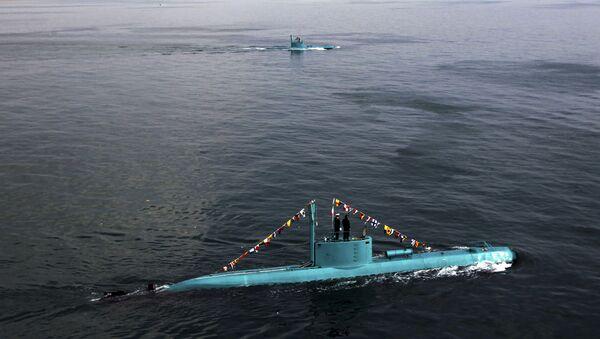 Irańskie łodzie podwodne w Zatoce Perskiej - Sputnik Polska