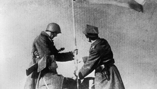 Polscy i radzieccy żołnierze, zdjęcie archiwalne - Sputnik Polska