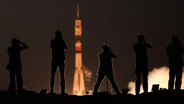 Start rakiety Sojuz MS-05 - Sputnik Polska
