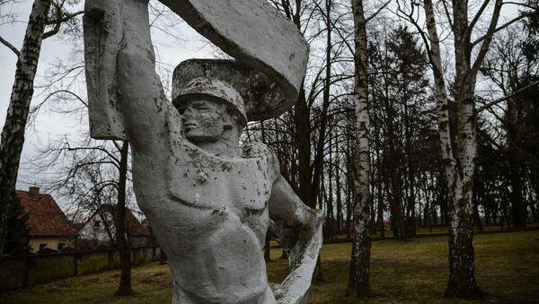Pomnik na cmentarzu w Olsztynie - Sputnik Polska